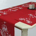 Weihnachtlicher Tischläufer 250 x 40 cm, und 6 Servietten, 40 x 50 cm.